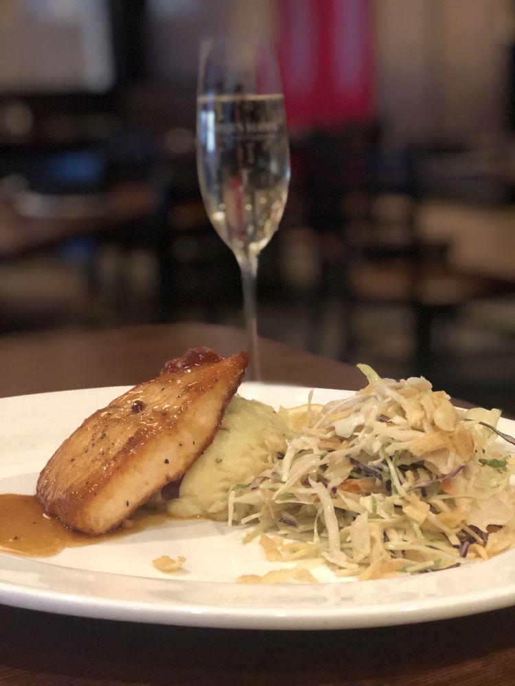 Cooper's Hawk Winery & Restaurant - Orlando