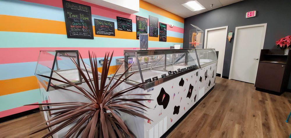 Cherry On Top Ice Cream Shoppe: 144 Bartlett Plz, Bartlett, IL
