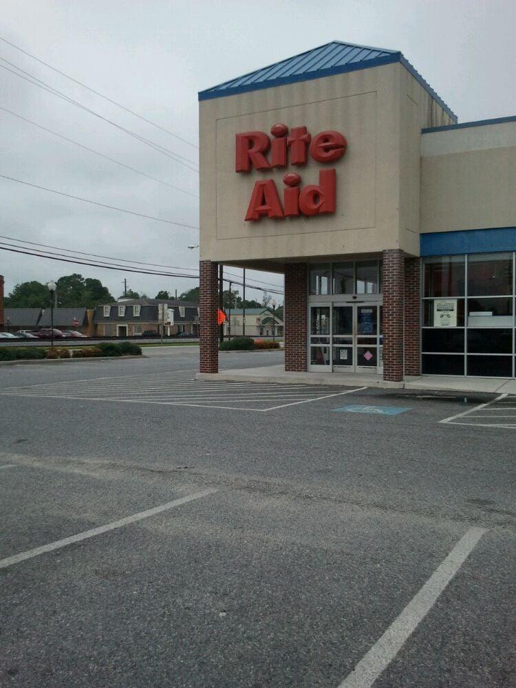 Rite Aid: 2 W Main St, Claxton, GA