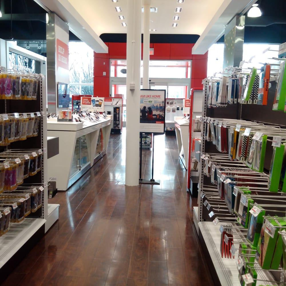 Shop Outlet Canada: 1076 Marine Dr
