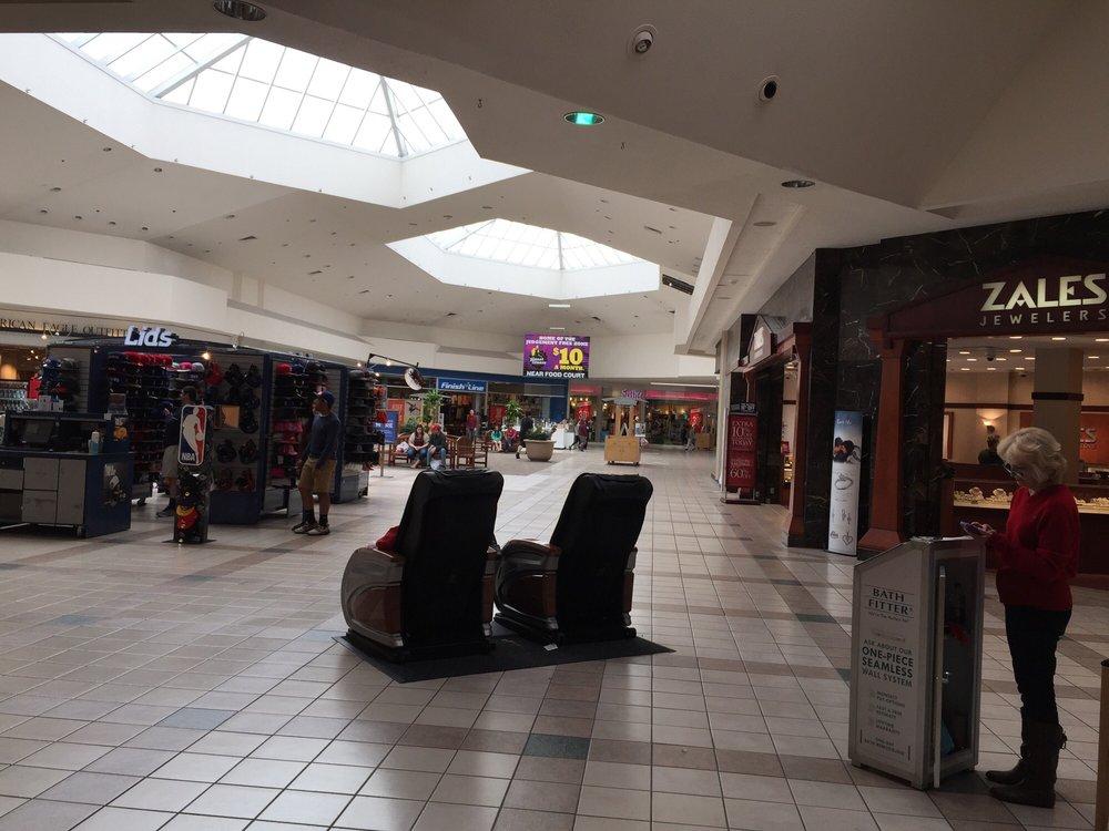 River Ridge Mall: 3405 Candlers Mountain Rd, Lynchburg, VA