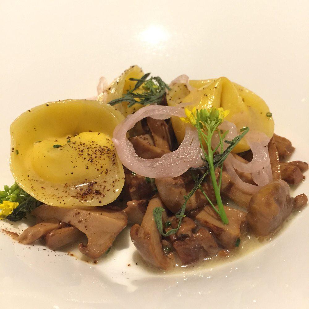 Restaurant Latour - 84 Photos & 39 Reviews - American (New) - 1 Wild ...