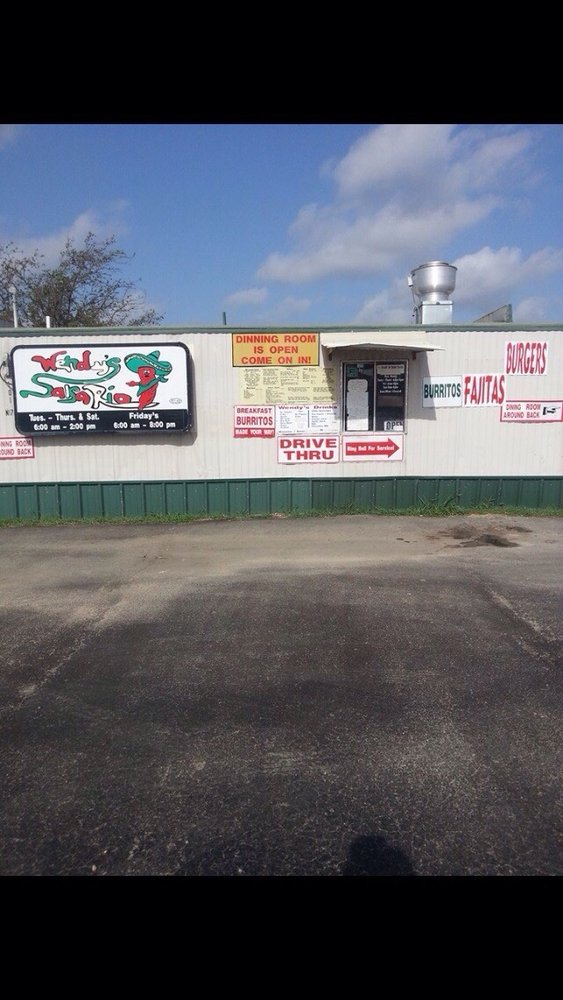 Wendy's: 101 N Hwy 174, Rio Vista, TX