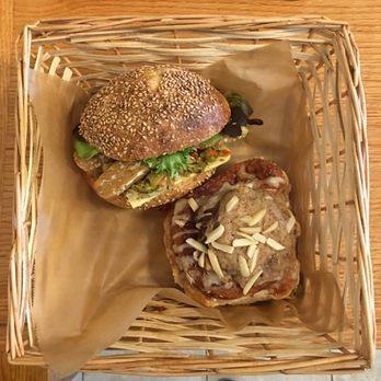 New Orleans Breads On Oak Cafe Bakery