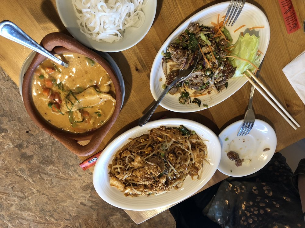 Food from Pad Thai Noodle