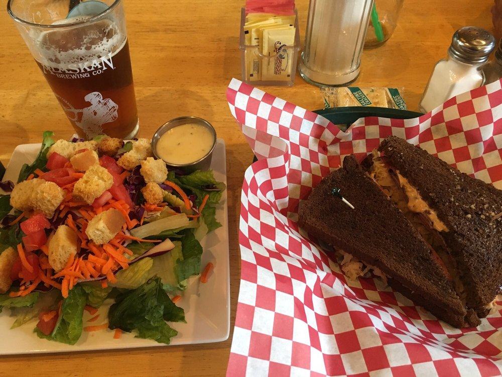 Grand View Cafe & RV Park: 22518 Glenn Hwy, Glacier View, AK