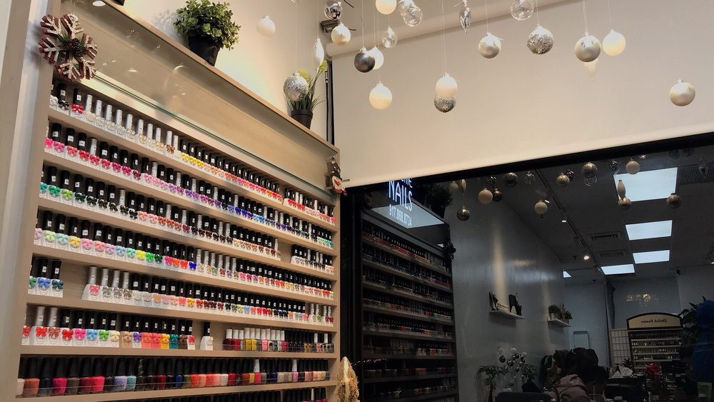 Queenie Nails: 136-89 41st Ave, Queens, NY