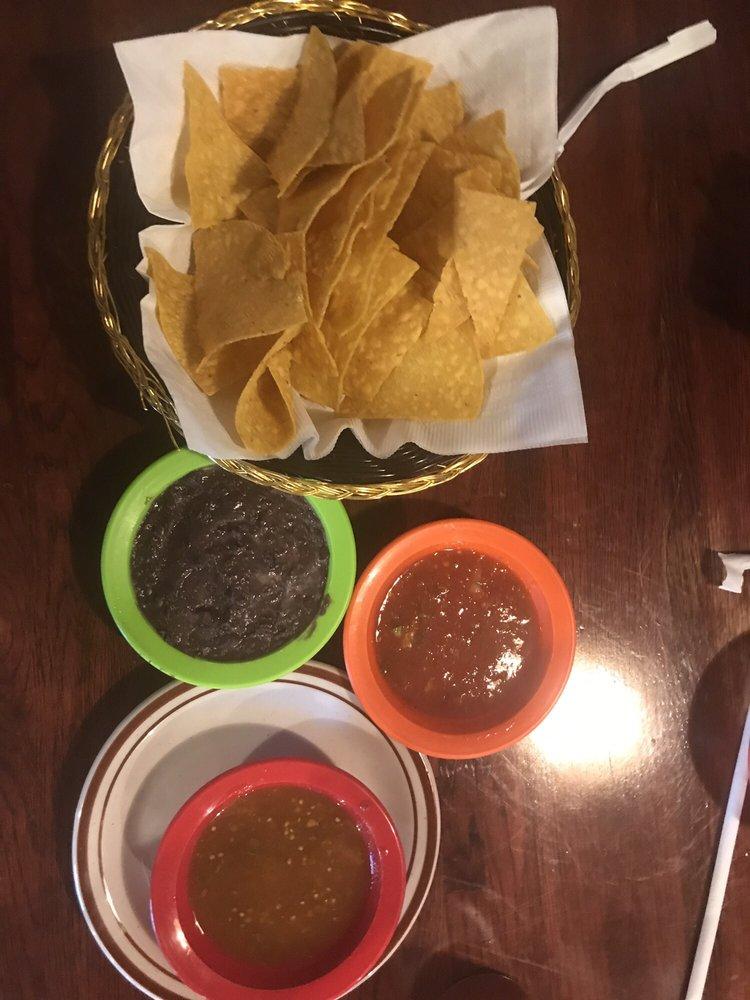 Vaqueros Bar & Grill