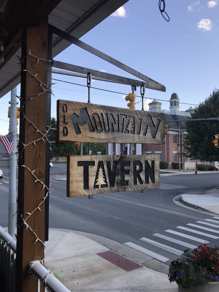Old Mountain Tavern: 221 8th St, Marlinton, WV