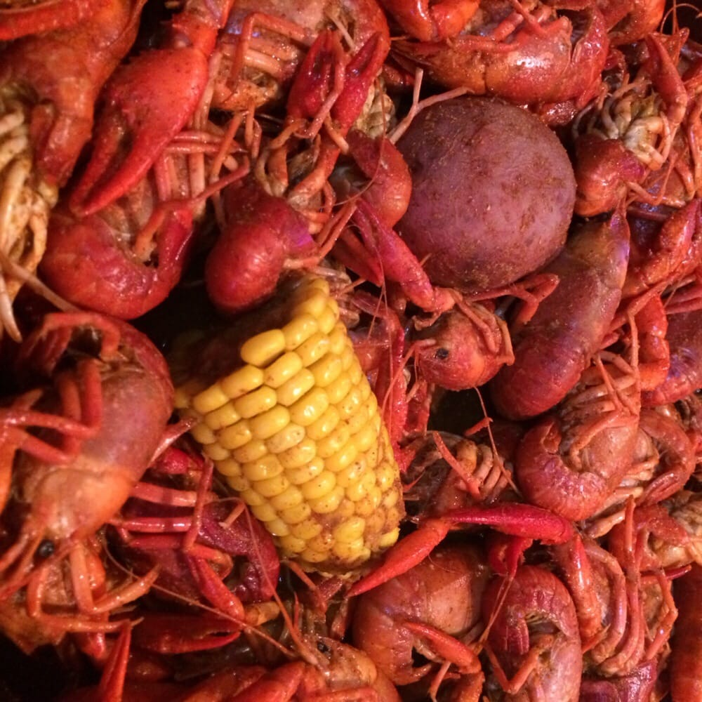 Floyds Cajun Seafood and Texas Steakhouse: 2290 Interstate 10 S, Beaumont, TX