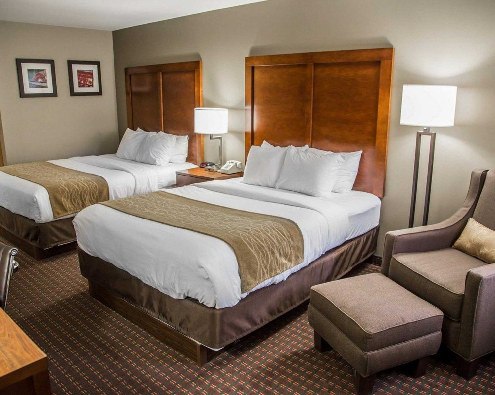 Comfort Inn & Suites Riverview: 902 Mississippi View Court, Le Claire, IA