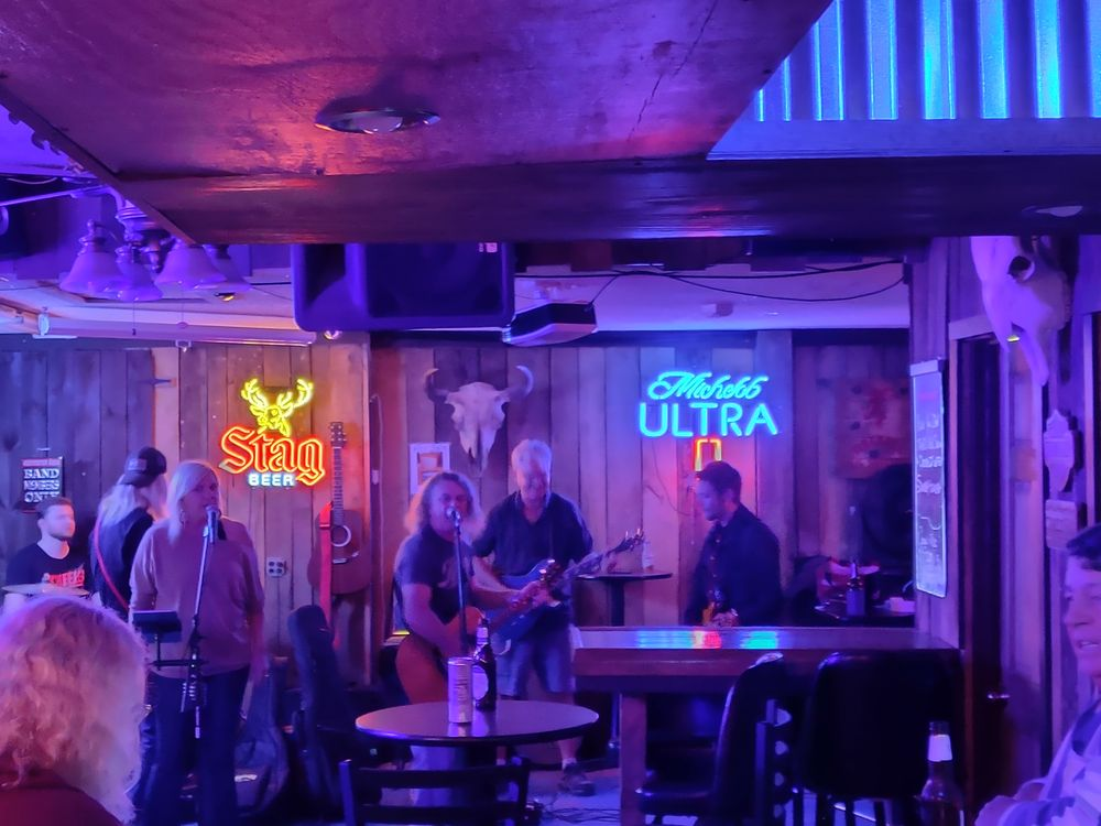 Trails End Saloon: 6445 Old Route 54, New Berlin, IL