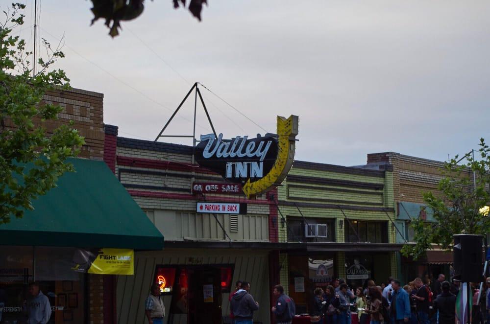 Valley Inn: 1744 Main St, Escalon, CA