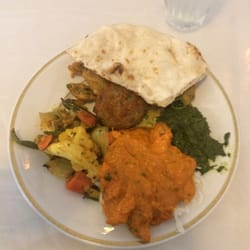 28 Taj Mahal Indian Restaurant Bar