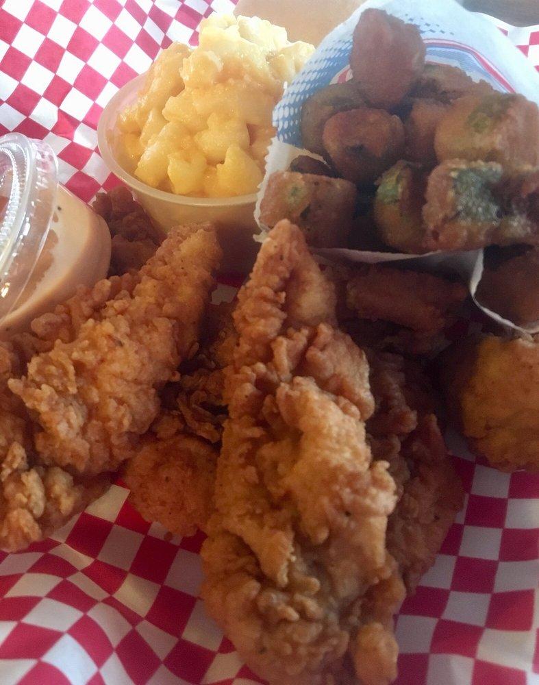 Speedy Pig Bar-B-Q & Restaurant: 13670 Hwy 43, Russellville, AL
