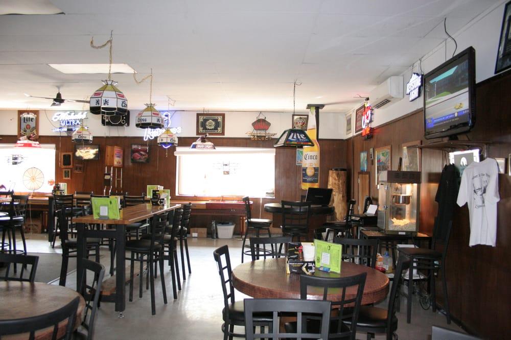 Dale's Wagon Wheel Bar & Grill: 220 6th St, Potlatch, ID