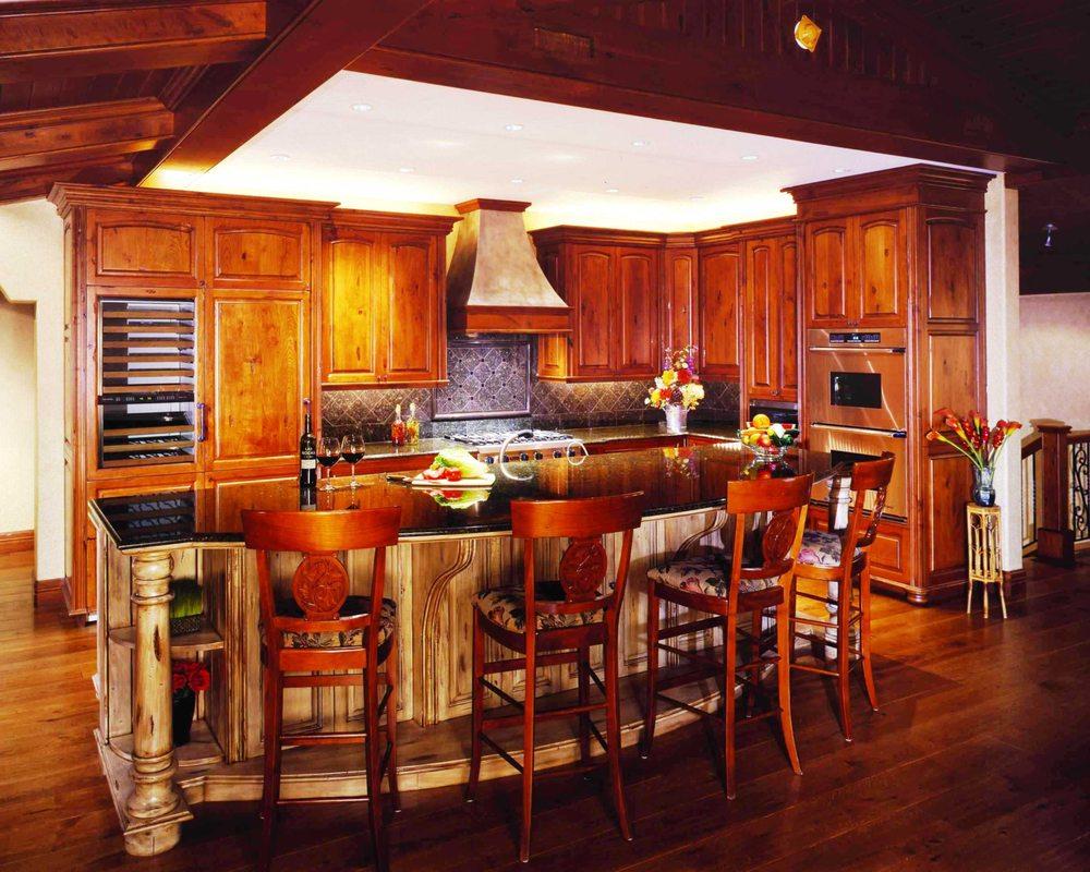Scherr's Cabinets & Doors: 5315 US Hwy 2, Minot, ND