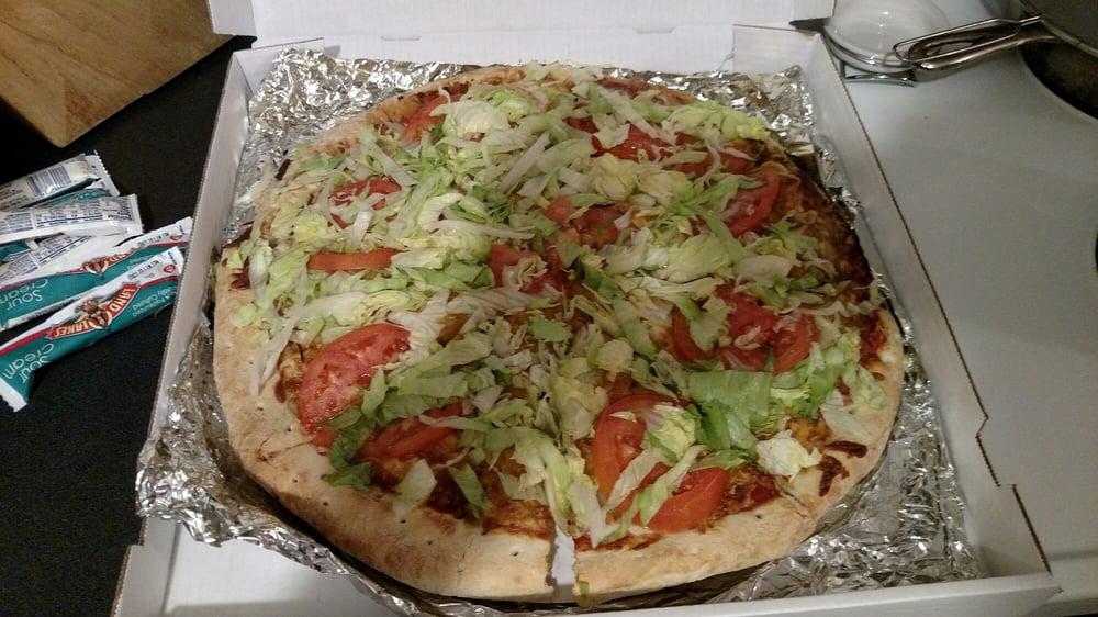 Michael's Pizza: 110 S Detroit St, West Liberty, OH