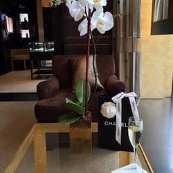 52684a4ba Chanel - 20 fotos y 51 reseñas - Complementos - 737 Madison Ave ...