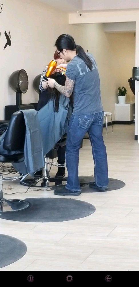 Blossom Hair & Nails Spa: 313 NE Vivion Rd, Kansas City, MO
