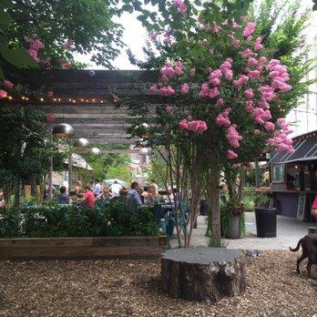 Phs Pop Up Garden 168 Photos 122 Reviews Beer Gardens 1438 South St Avenue Of The Arts