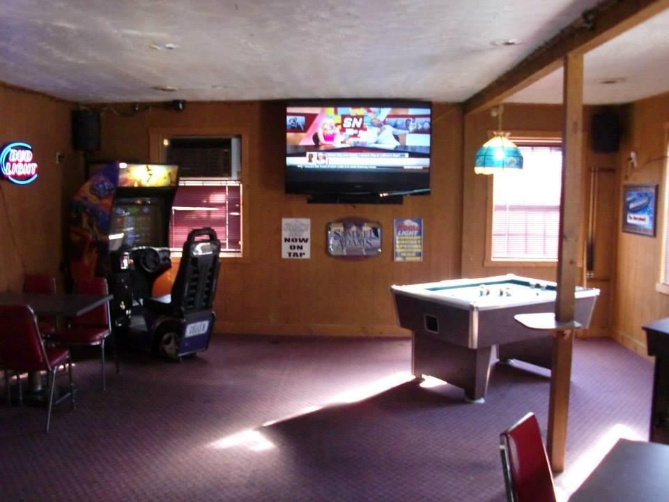 Charlie's Motel: 220 W Main St, Frostburg, MD