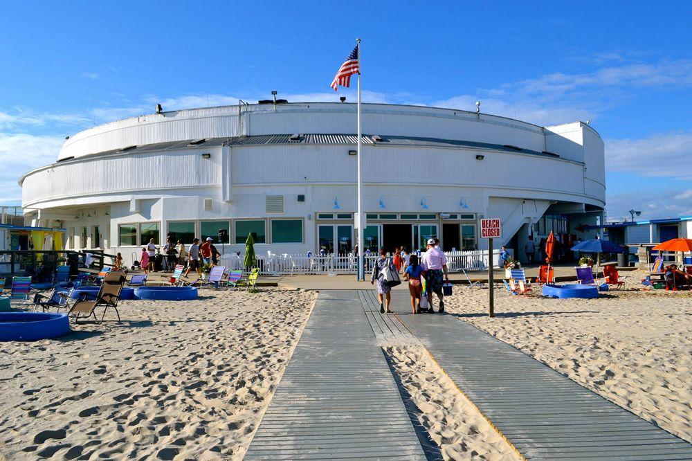 Photo of The Sands Beach Club: Atlantic Beach, NY