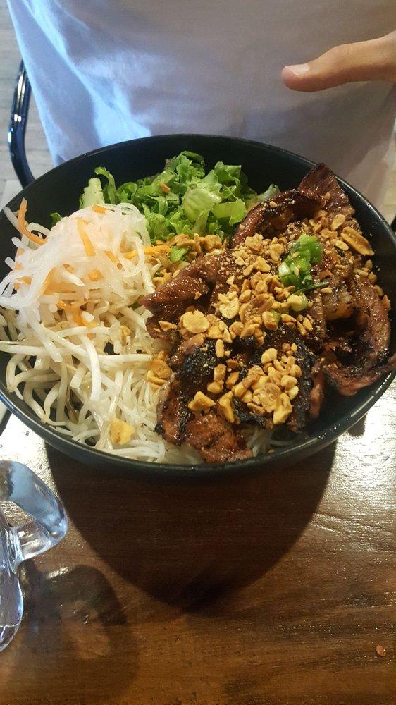 Hên Vietnamese Eatery