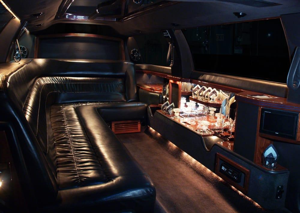 Luxxor Limousines: 2604 Delaware Ave, Des Moines, IA