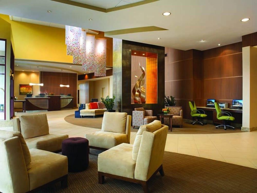 crowne plaza milwaukee west 26 photos 51 reviews. Black Bedroom Furniture Sets. Home Design Ideas