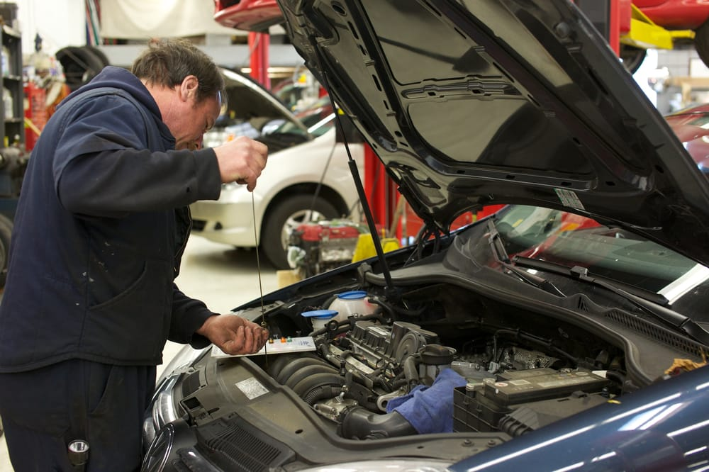 Oil change service done while you wait - specialists on ...