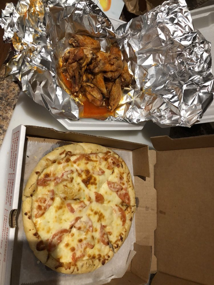 Homestyle Pizza: 3350 Millers Run Rd, Cecil, PA