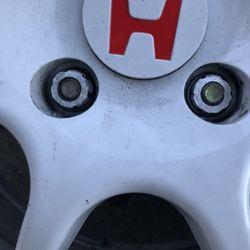 Calderon S Tires 18 Photos 93 Reviews Tires 1620 Story Rd