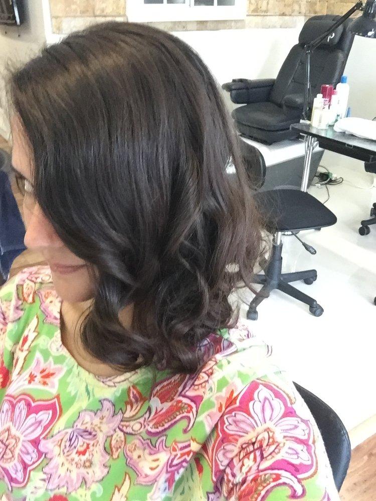 Marcelino salon coiffeurs salons de coiffure 2103 le for Abaka salon coral gables