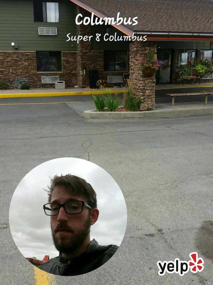 Super 8 by Wyndham Columbus: Interstate 90 Exit 408, Columbus, MT
