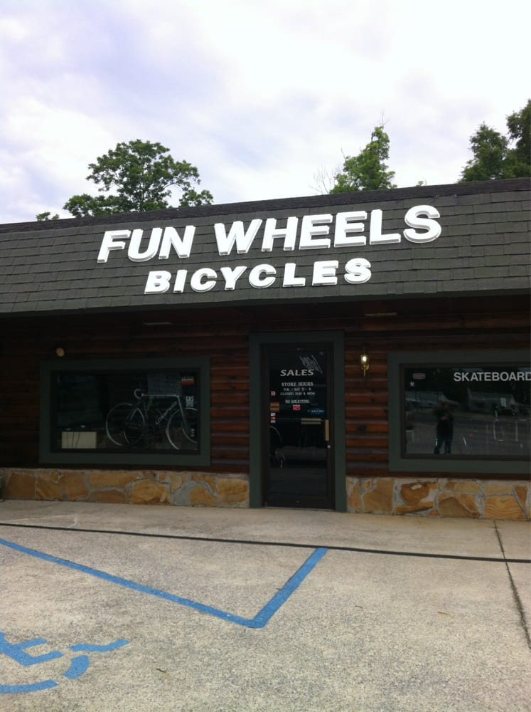 Fun Wheels: 1209 Snow St, Oxford, AL