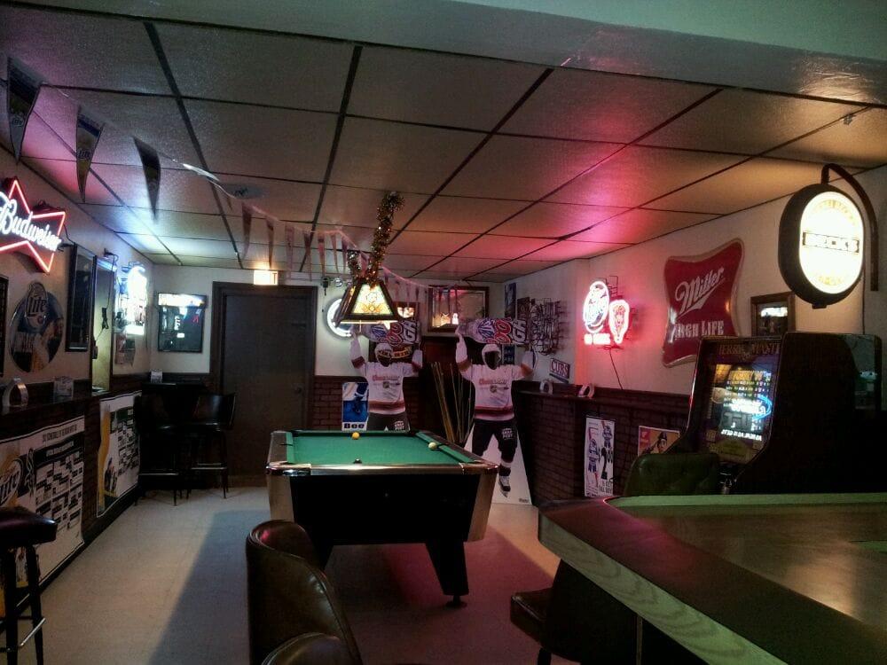 Jimmy's Place: 4300 South Amelia Ave, Lyons, IL