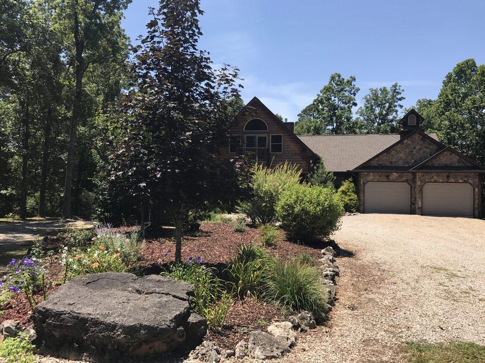 Cedar Stone Lodge: Hwy 19 South, Eminence, MO