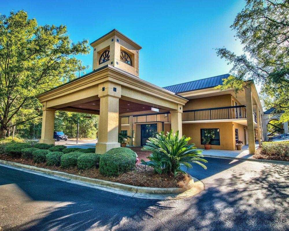 Clarion Inn & Suites: 155 Colony Pkwy, Aiken, SC
