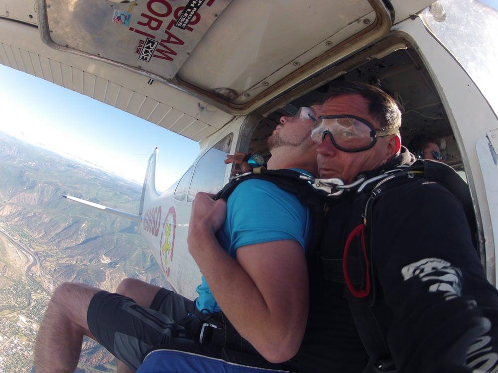 Roaring Fork Skydivers: 1172 Airport Center Rd, Glenwood Springs, CO