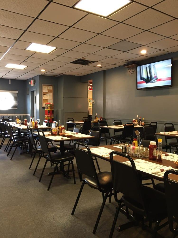 Gw's Fine Food and Spirits: 275 S Washington St, Tiffin, OH