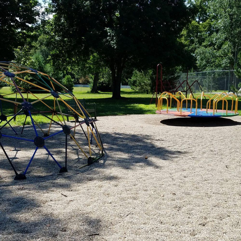 Mulberry Centennial Park: 407 Park St, Mulberry, IN