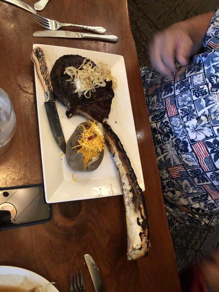 Dakotah Steakhouse: 1325 N Elk Vale Rd, Rapid City, SD