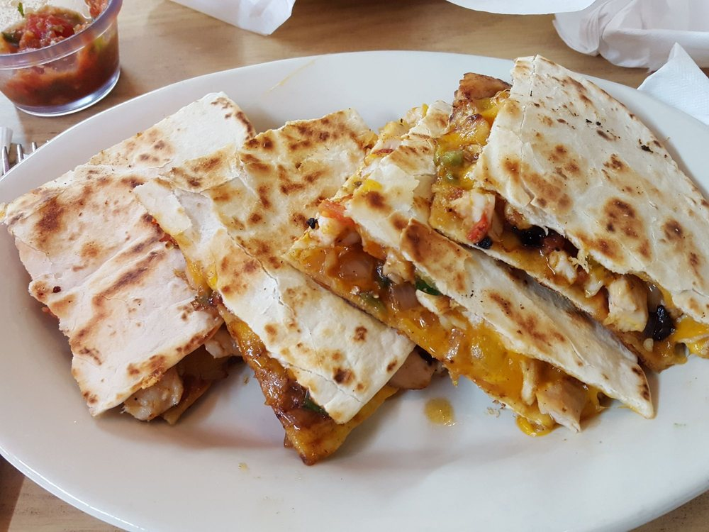 La Fiesta Mexican Restaurant: 1313 S Cedar St, Pecos, TX