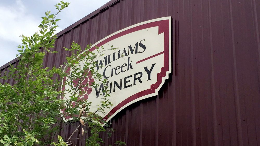 Winery Williams Creek: 310 S Hickory St, Mount Vernon, MO