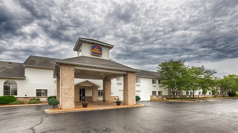 Best Western Oglesby Inn: 900 Holiday St, Oglesby, IL