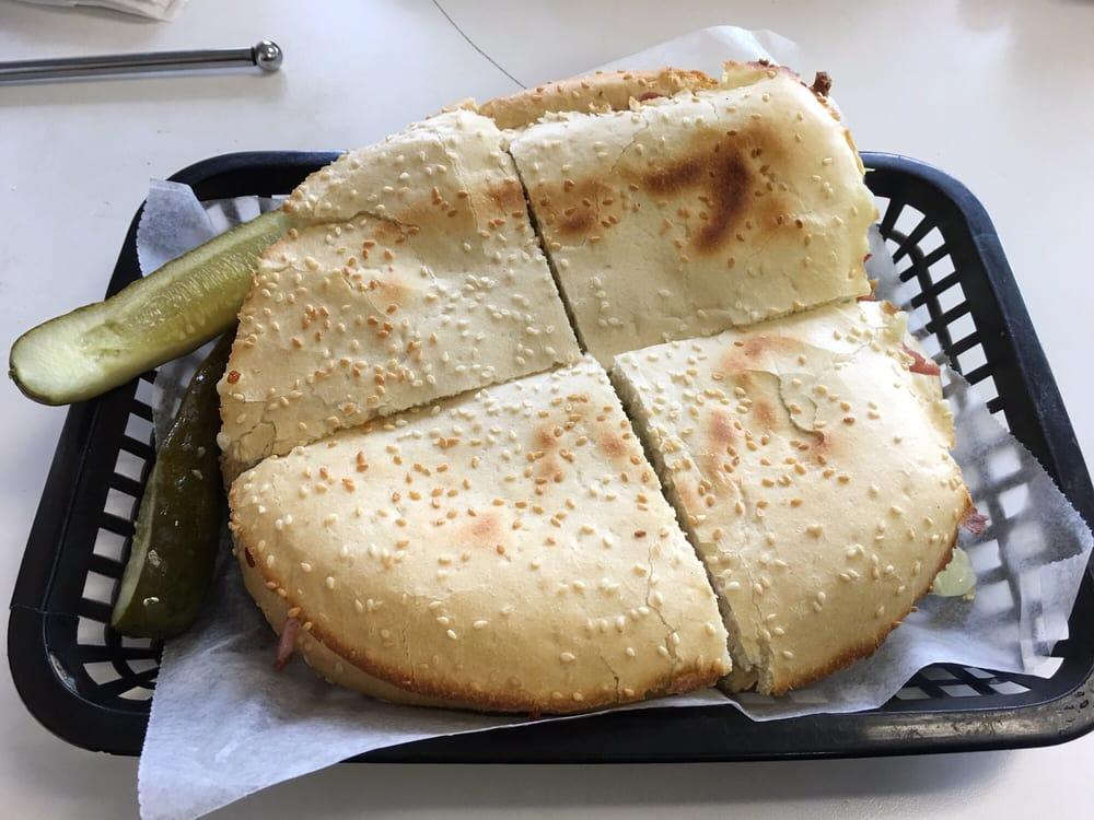 1st Class Pizza: 2427 Al Hwy 202, Anniston, AL