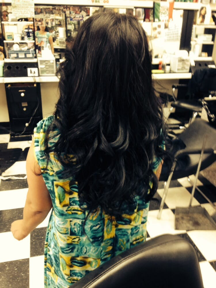 Adriana s beauty salon hair extensions 15717 lakewood for Hair salon 2