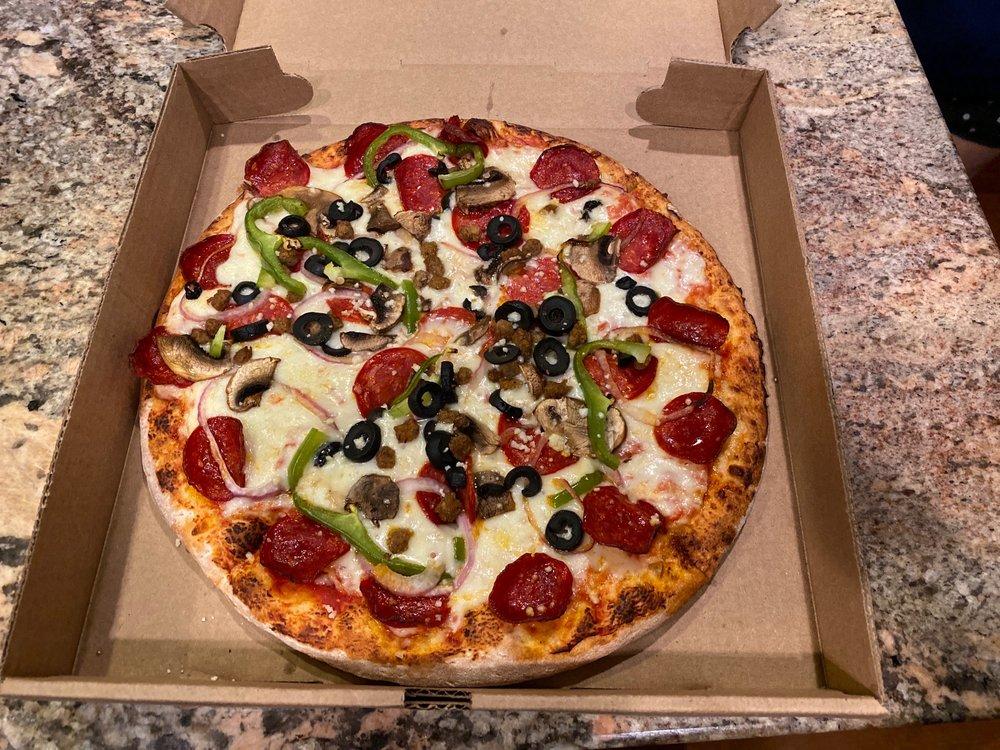 Olive's Pizza: 34 Catoctin Cir SE, Leesburg, VA