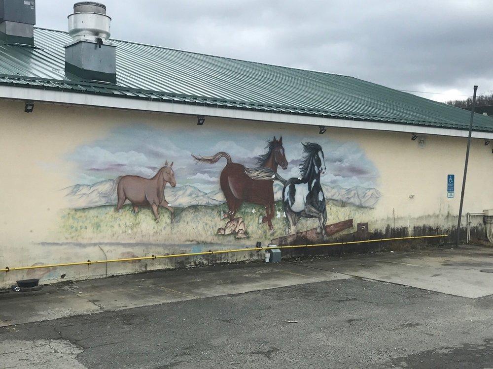 Dugspur Deli Mart: 10287 Floyd Pike, Dugspur, VA